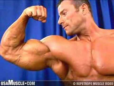 2006 NPC Junior Nationals Men's Backstage Posing 3 Preview Video