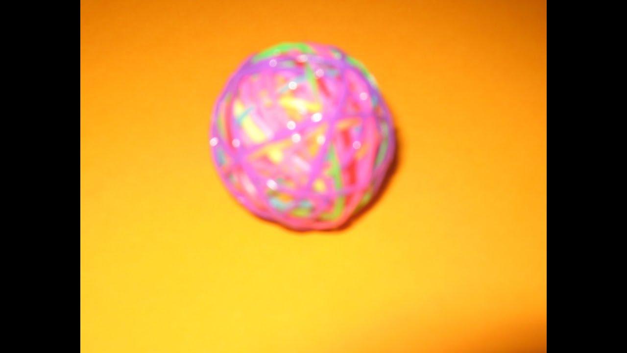 Как сделать мячик попрыгунчик из резинок Rainbow Loom без станка своими руками. Поделки с детьми! - YouTube