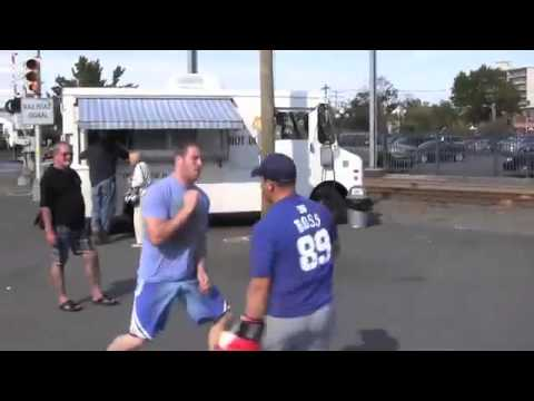 How To Win A Street Fight WIth Head Movement, Learn Simple (But Awesome) Street Fighting Techniques Image 1