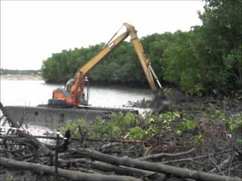 Amphibious Excavator / Swamp / Marsh buggy for 12-15 tons excavator
