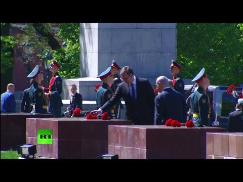 Церемония возложения цветов к Могиле Неизвестного Солдата — LIVE
