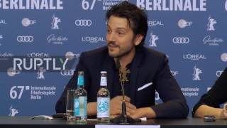 Germany: Berlinale judge Diego Luna in Berlin to 'investigate how to tear down walls'