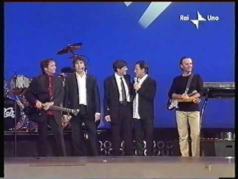 Pooh presentano i brani del loro cd musical Pinocchio anno 2002.