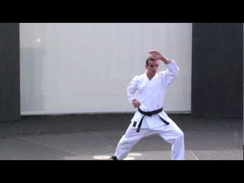Kata Karaté Shotokan: Heian Shodan video