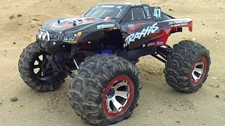 Traxxas SLAMMIT - RC Madness!