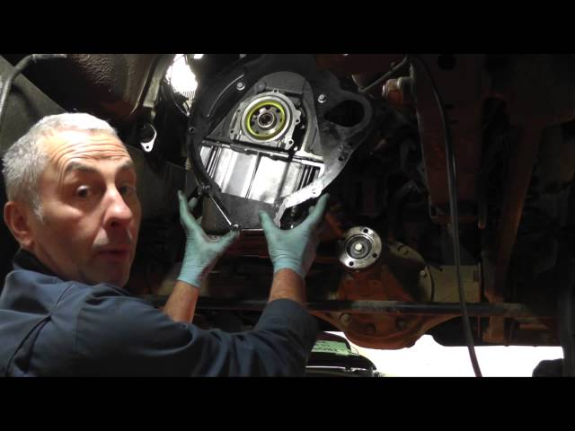 Changing the clutch on a Land Rover Discovery 2 TD5 ...