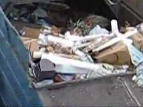 Milano Apt Garbage Truck 1 Video