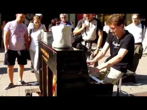 Dan Popek · Boogie Woogie Piano Improvisation · Hamburg Spitalerstraße · Streetpiano video