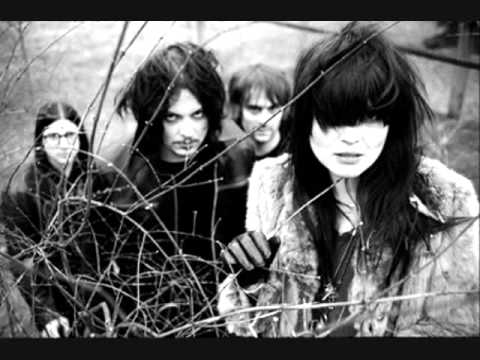 the difference between us - the dead weather (good quality)