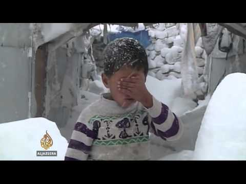 Syrian refugees die in cold weather
