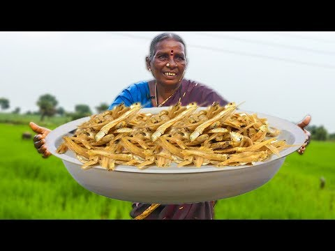 అవ్వ ఎండు చేపల కూరను ఎలా చేస్తుందో చూస్తే రుచి చూడాలనిపిస్తుంది | Dry Fish Curry | Traditional Foods