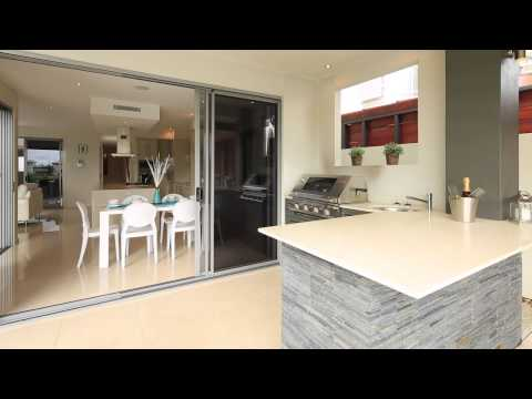 38 Riverlinks Boulevard East Helensvale 4212 QLD by Kevyn Wi...