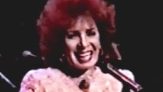 Watch Shirley Bassey Still video