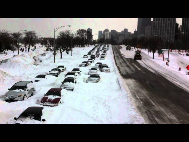 Chicago blizzard 2011 closes Lake Shore Drive HD