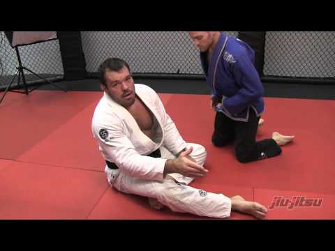 JJM 22 Dean Lister - Kneebar From Half Guard Bottom.