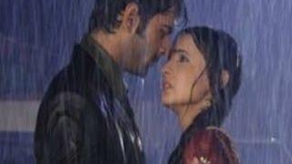 Arnav & Khushi 's BOLD ROMANCE in RAIN in Iss Pyaar Ko Kya Naam Doon 10th July 2012