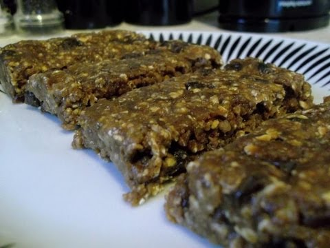 How to Make A Homemade Energy Bar (Clif Bar Clone)