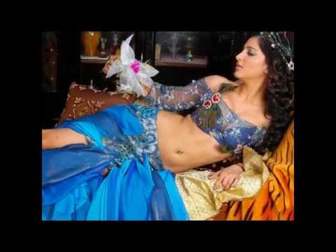 Shruti Hassan Hot Navel