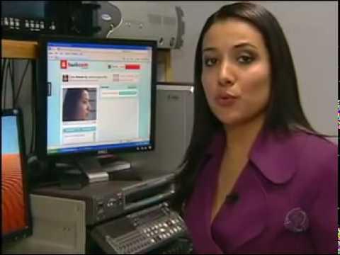 Jovens transmitem cenas de sexo ao vivo na internet (Jornal da Record) [28/07/10]