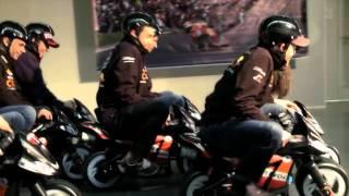I piloti Repsol si sfidano sulle minimoto