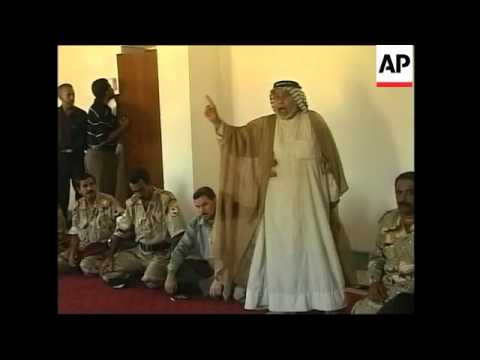 Iraqi policemen join Al Mahdi army