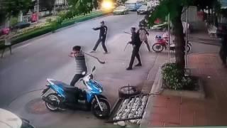 Download DETIK-DETIK GANGSTER DI HADANG WARGA SAAT SEDANG BERAKSI 3Gp Mp4
