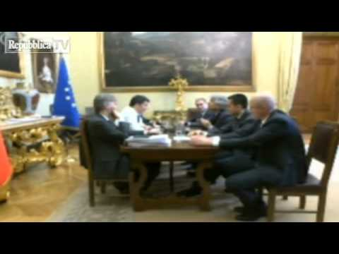 Tutto il video dell'incontro tra Matteo Renzi e Beppe Grillo (19 Febbraio 2014)