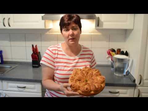 Дрожжевой пирог с тушеной капустой и фрикадельками