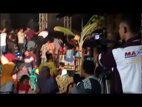 TAWURAN..GEGERRR... POLISI Jihan Audy New Bintang Yenila live desa BODEH , PUCAKWANGI.