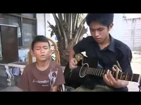 Amazing 8 year old filipino kid singing luther vandross