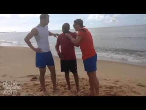 Manuel Neuer & Bastian Schweinsteiger dancing on the beach