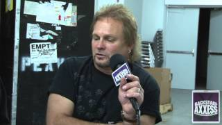 MICHAEL ANTHONY Talks About His New PEAVEY