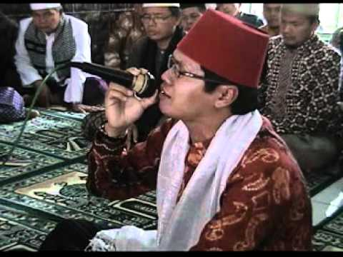 Qori Indonesia - H  Mu'min Miftahul Khoer (pernikahan) video