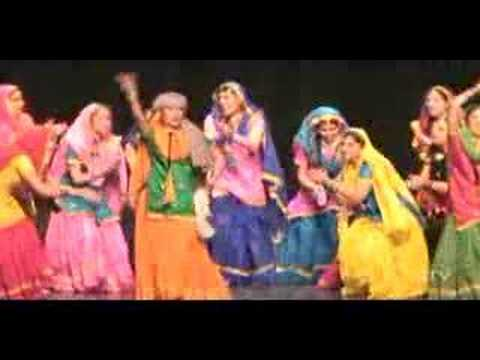 Uc Davis Giddha   Dhol Di Awaz 2008 video