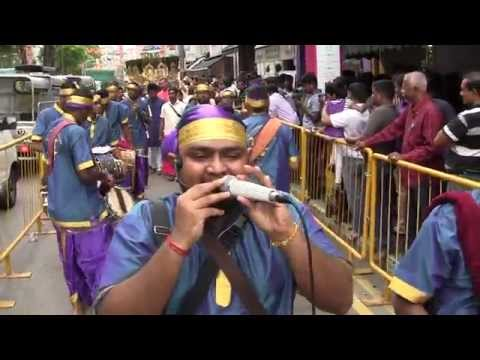 Siva Sakthi Muniandy Urumi Melam(singapore Thaipusam 2015)-murugan Song video