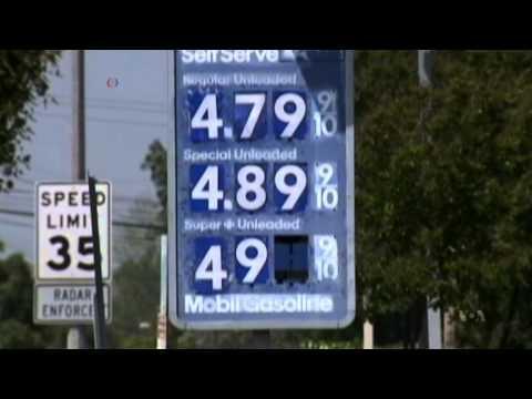 Plunging Oil Prices Have Unpredictable Impact on Politics, Economics
