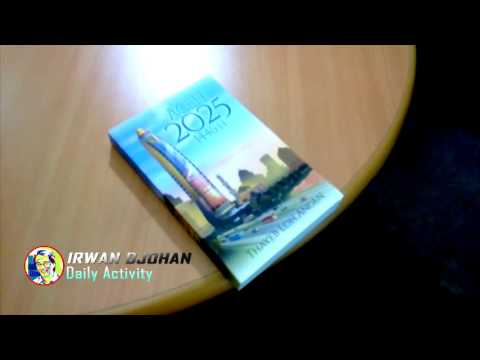"Jumat, 6 November 2025 - Puku 16.00 WIB - Menerima Buku ""Aceh 2015"""
