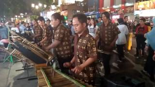 download lagu Ora Kuat Mbok, Perform Angklung Pegasus Jogja Du Depan gratis