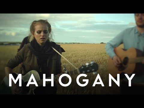 Kyla La Grange - Been Better // Mahogany Session