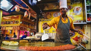 Foreigner Tries Indian Street Food in Mumbai, India | Juhu Beach Street Food Tour