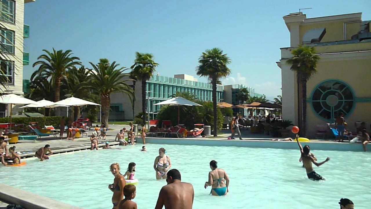 Tivoli Terme : piscine sulfuree : Terme di Roma 2012 - YouTube