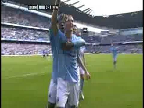 Elano Free Kick vs Newcastle HQ