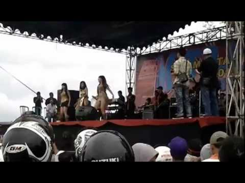 Dewi Amour (Live Performance)