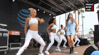 """Hailee Steinfeld Performs """"You're Such A"""" in Venice Beach"""