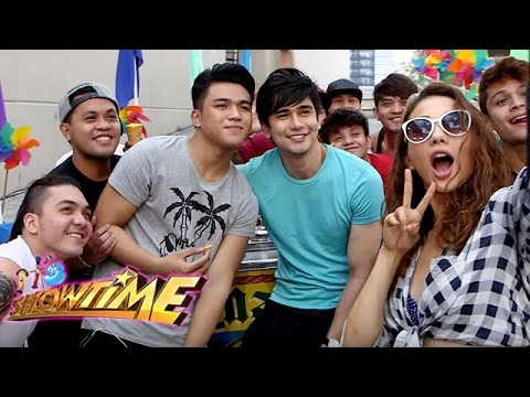 "It's Showtime ""Ka-Summer Mo"" Music Video"