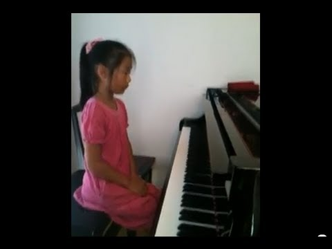Pianist(10 Year Old Japanese Girl):j.s.bach:sinfonias No.8 video