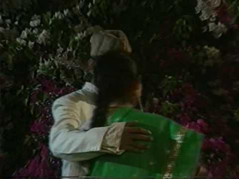 Majaz : Ghazal -by Jagjit Singh  : Dekhna Jazbe Mohabbat Ka Asar Aaj Ki Raat video