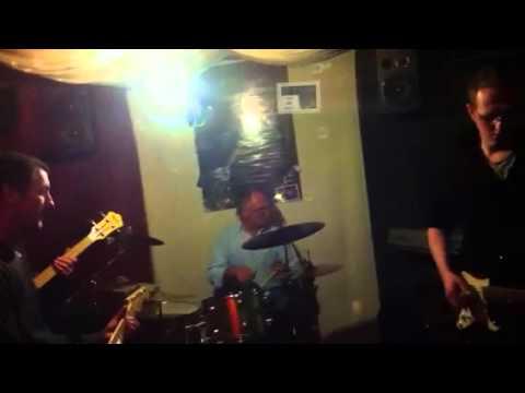 Matt jams with spiders(KING BEE)Slim Harpo