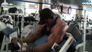 RAUL SANCHEZ RUMBO AL MR. MEXICO 2012 ENTRENA BICEPS