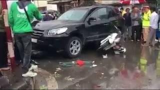 Tai nạn giao thông : Va chạm mạnh oto với xe máy tại cổng sau Bệnh viện Bạch Mai